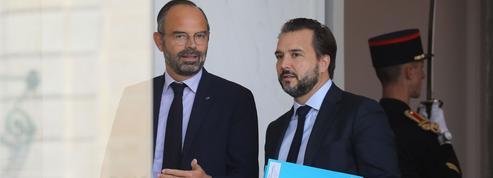 Radicalisation: Édouard Philippe renforce les contrôles dans les services de renseignement
