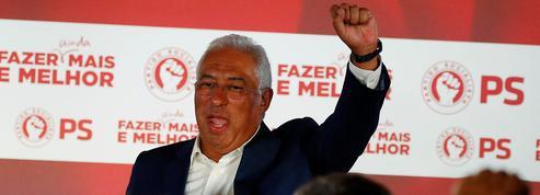 Les socialistes portugais célèbrent leur triomphe