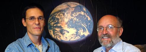 Le Nobel pour deux chasseurs de planètes