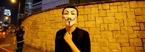 Hongkong: Apple cède à la pression de la Chine