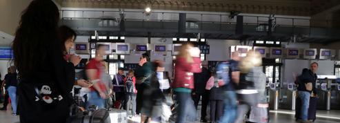 Grève SNCF: un vendredi noir en images