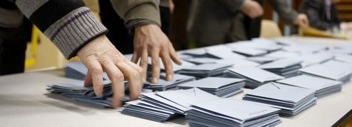 Municipales: des candidats face au piège des couleurs politiques