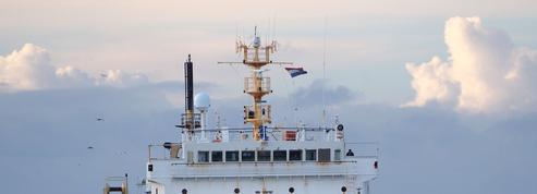 Dans la Manche, un bateau-usine inquiète les pêcheurs
