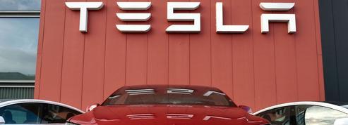 Tesla joue la prudence sur la voiture autonome