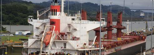 Au Panama, le canal bat des records de recettes et drague les paquebots