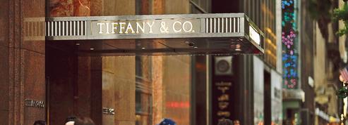 Tiffany tente de faire monter les enchères pour se vendre à LVMH