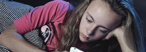 Les réseaux sociaux renforcent l'addiction des jeunes aux écrans