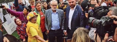 Royaume-Uni: le changement climatique, un sujet incontournable et sensible pour Boris Johnson