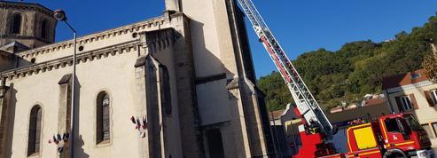 Séisme en Ardèche: l'église Notre-Dame de l'Assomption, au Teil, risque de s'effondrer
