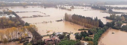 Inondations: les élus du Var accusent l'État