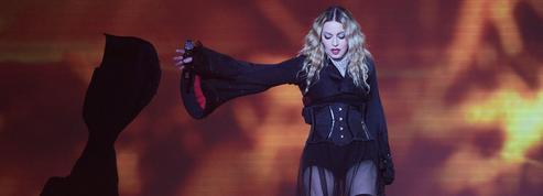 «Accablée» par la douleur, Madonna annule des concerts