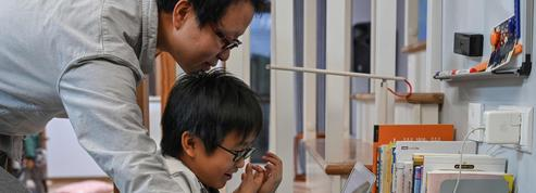 Chine: un enfant de 8 ans enseigne le code informatique sur internet