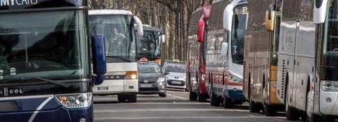 Anne Hidalgo veut supprimer les cars de tourisme dans Paris… en 2024