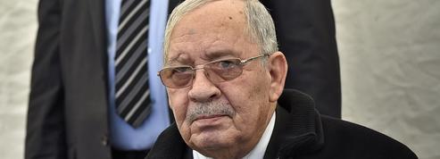 Algérie: l'impossible retraite du chef d'état-major Gaïd Salah