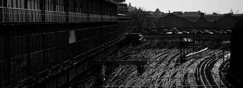 Grèves dans les transports: Saint-Lazare comme au temps de Brassaï
