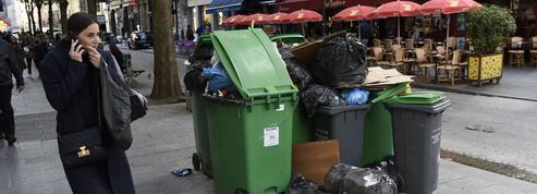 Grève: comment la ville de Paris gère l'accumulation des déchets