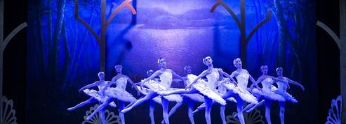 Les grands ballets se plient aux petits