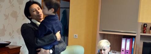 Louis, 4 ans, livré par la justice à son père japonais