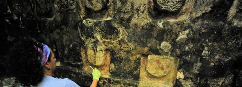 Des archéologues découvrent un palais maya millénaire près de Cancun