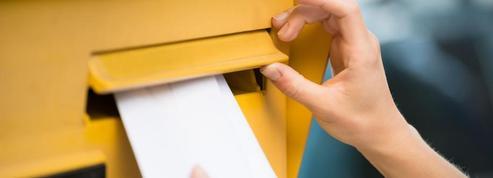 Bouches-du-Rhône: environ 150 courriers découverts dans une poubelle