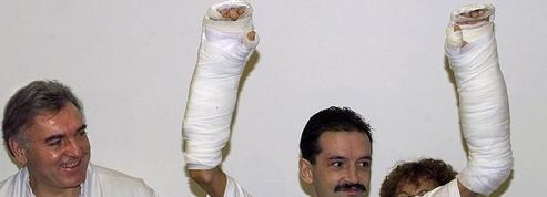Il y a 20 ans, la première double greffe de mains
