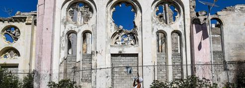Dix ans après le séisme, pourquoi Haïti ne se relève pas?