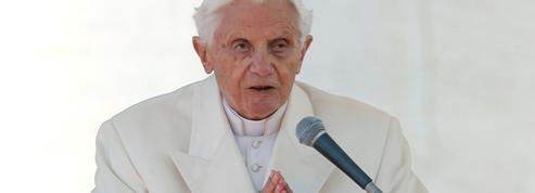 Polémique autour du livre de Benoît XVI: le pape émérite a bien écrit cet ouvrage avec le cardinal Sarah