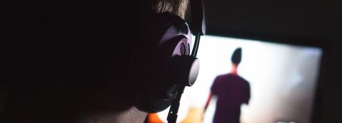 Loi contre les violences conjugales: une mesure interdit l'espionnage du conjoint