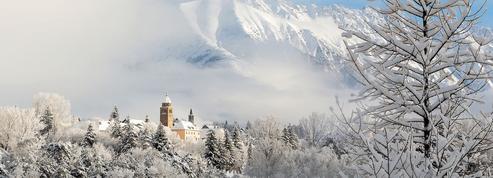 Grands espaces, bien-être, gastronomie... 20 escapades pour profiter de la France en hiver
