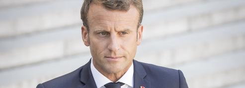 Emmanuel Macron soigne les classes moyennes