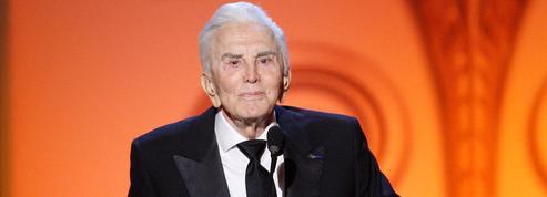 Son fils Michael, Catherine Zeta-Jones, Danny DeVito... Les hommages à Kirk Douglas, la légende d'Hollywood
