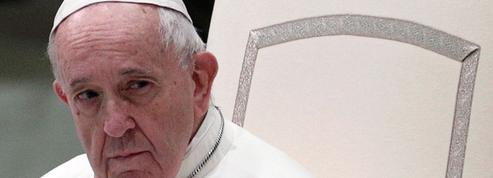 Ordination d'hommes mariés: pourquoi le pape François a répondu par le silence
