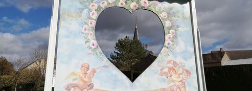 Comment le village de Saint-Valentin a fait chavirer le cœur des touristes
