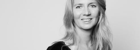 Élisabeth de Feydeau: «Se parfumerreste un geste premier, un peu instinctif»