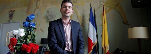 À Hayange, après les outrances, le maire RN joue la proximité et le pragmatisme