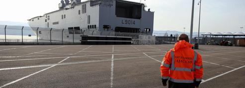 Covid-19: l'armée mobilise «Le Tonnerre» pour évacuer des patients de Corse
