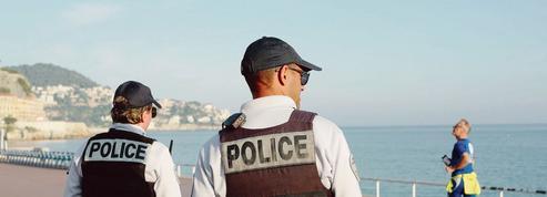 Français réfractaires au confinement: le gouvernement serre la vis