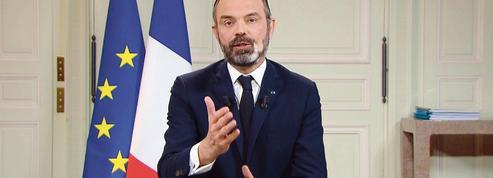 Édouard Philippe impose un confinement plus strict