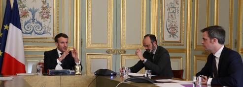 Face au coronavirus, l'exécutif se resserre autour de Macron