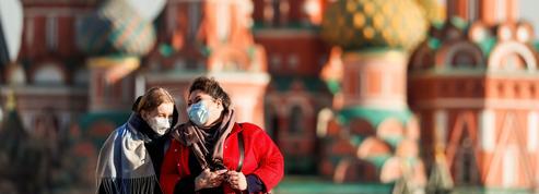 Face au coronavirus, la Russie à son tour se claquemure