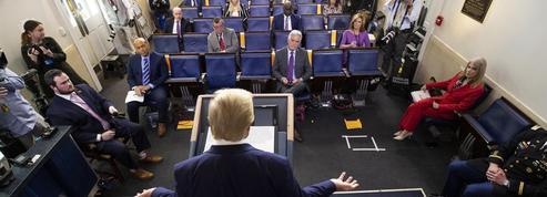 Donald Trump seul en scène à Washington