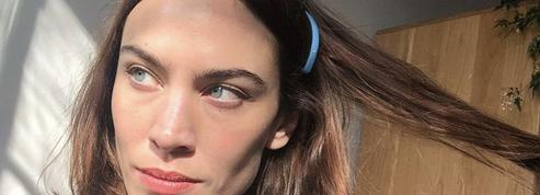 Sans coiffeurs, les femmes s'arrachent les cheveux