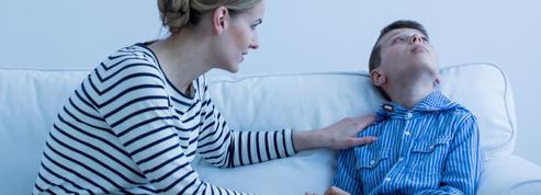 Autisme: les professionnels tentent de rassurer les familles
