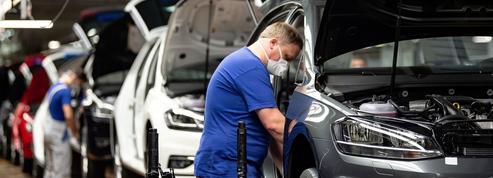Covid-19: Daimler et Volkswagen espèrent résister