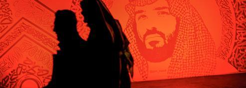 Arabie saoudite: dans l'adversité, MBS défie aussi son protecteur américain