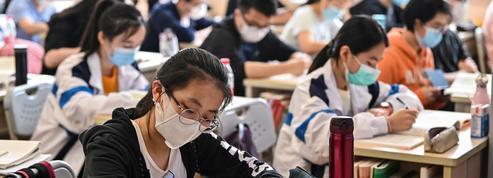 À Shanghai, les lycéens ont repris les cours en suivant des règles sanitaires strictes