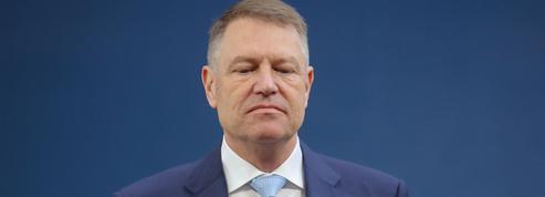 Roumanie: pendant l'état d'urgence, la bataille politique continue