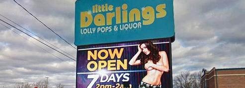 Les clubs de strip-tease peuvent revêtir les aides de l'oncle Sam
