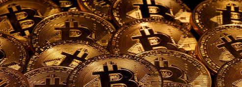 Avec la crise du coronavirus, une nouvelle vague de particuliers investit dans le Bitcoin