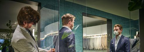 Costume sur mesure: les tailleurs s'organisent dans le respect de la distanciation